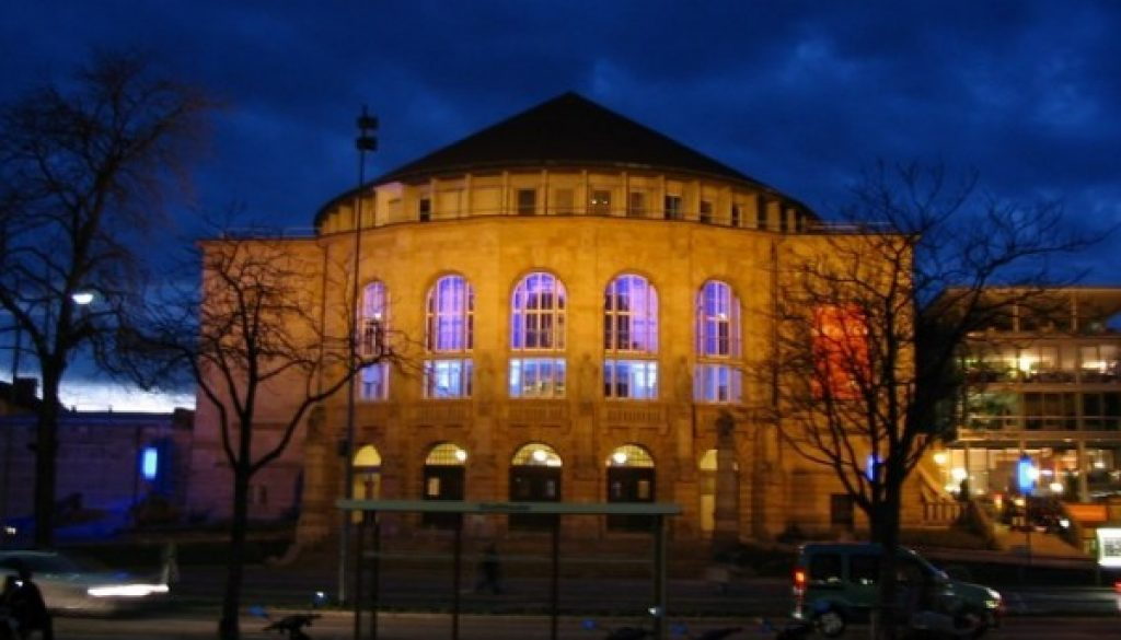 Freiburg_City_theater_night