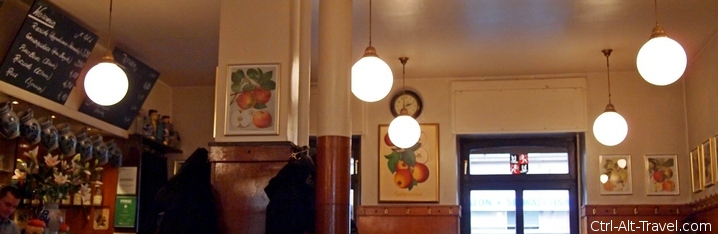 View into a Applewine Tavern in Frankfurt